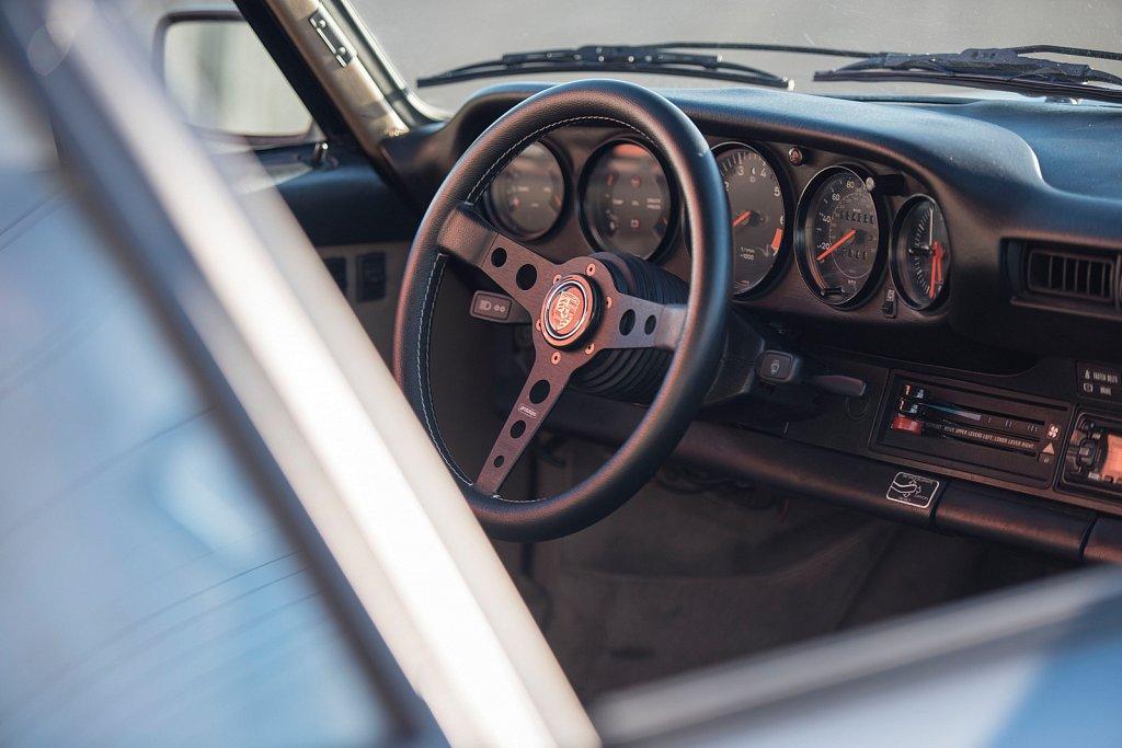 MOMO-Blue-Porsche-911-911-SC-13.jpg